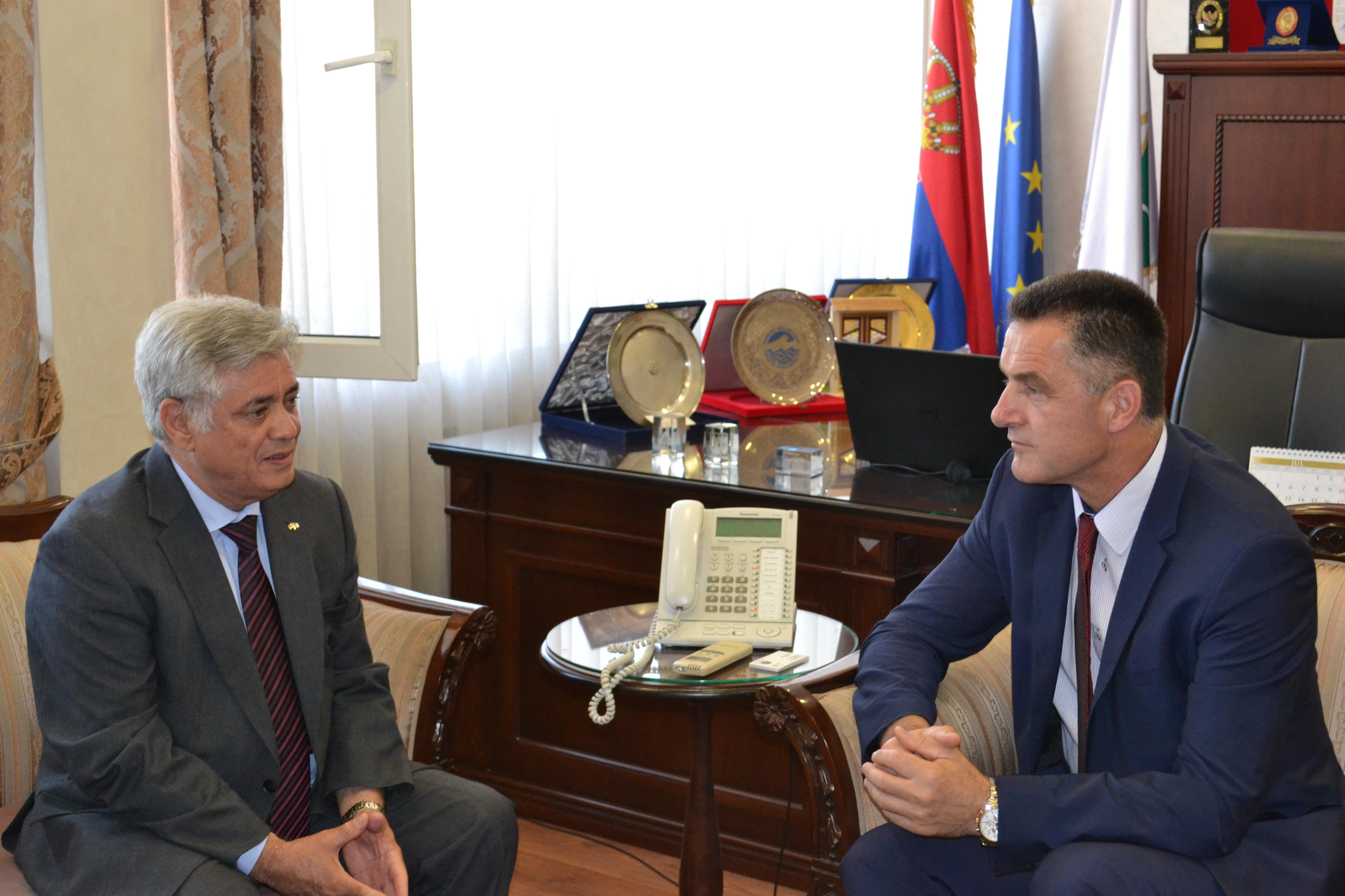 L'Ambassadeur d'Algérie rencontre le maire de Novi Pazar
