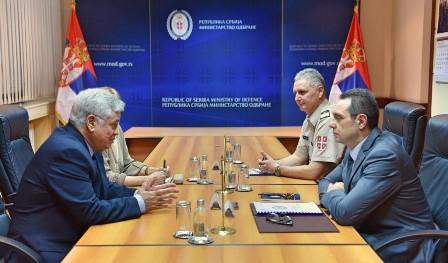 L'Ambassadeur d'Algérie s'entretient avec M. Vulin